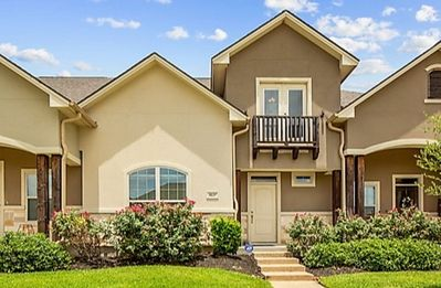 Photo for Cute, Upscale Townhome  (Near Texas A&M)