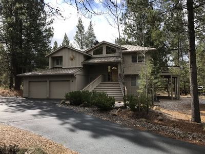 Photo for Fort Rock-Wonderful Sunriver Home,3BR-3.5BA- Hot Tub- Wifi-8 SHARC passes