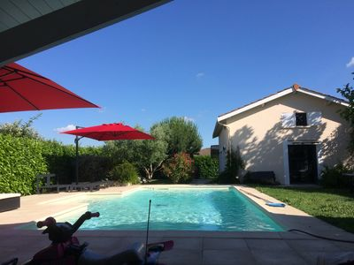 Photo for Cottage with swimming pool in the heart of the wine route