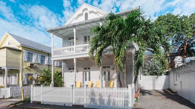 **SWEET HOME ANGELITA @ OLD TOWN** Renovated Home Off Duval + LAST KEY SERVICES