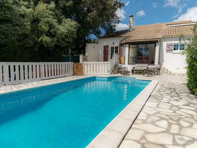 Photo for Family house with swimming pool