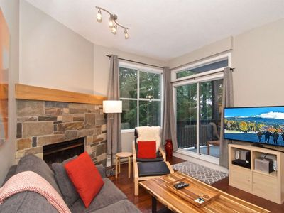Charming Creekside Townhouse.Easy WALK to the Gondola. Worry Free Cancellation