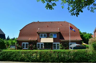 Photo for 77 sqm, Wyk-Südstrand. Close to the beach and quiet. Garden and large terrace.