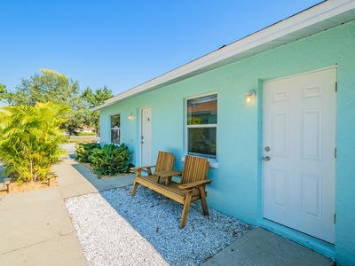 Photo for Welcome to our Dog Friendly paradise and enjoy our beaches, seafood and surf.
