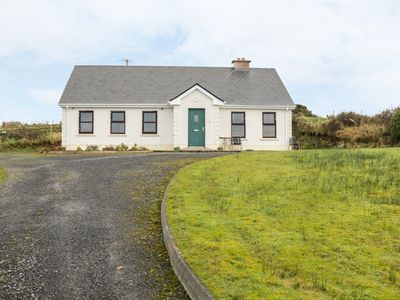 Photo for ATLANTIC VIEW, pet friendly in Ballycastle, County Mayo, Ref 917392