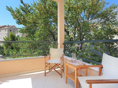Photo for One bedroom apartment with terrace Makarska (A-17047-c)