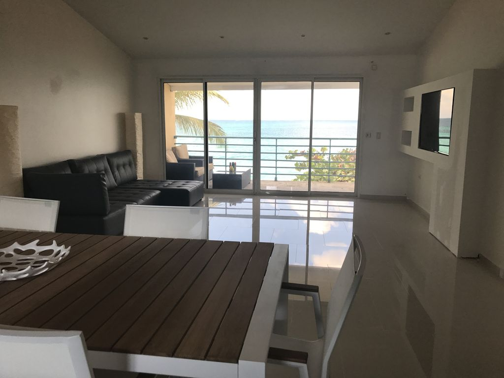 BEACHFRONT LUXURY CONDO - ULTRA MODERN - BEST VIEW - NEWEST CONDO ON THE BEACH