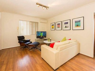 Photo for Mt Lawley Superb  2 BR  Minutes to CBD 1,great restaurants coffee shops clubs