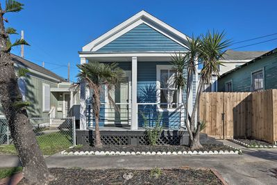 This classic shotgun-style home sleeps up to 8 with 2 bedrooms and 1 bath.