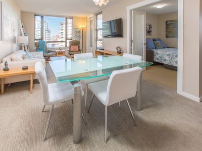 Photo for Contemporary & Bright 1 Bedroom + Den with Gorgeous Sunset Views