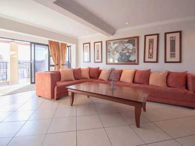 Photo for Airy apartment w/ a spacious balcony overlooking Big Bay & ocean views