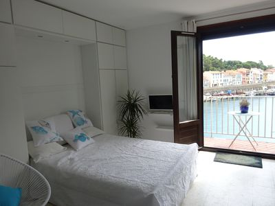 Photo for Studio2pers Balcony on the sea! Street pedestrian, all shops Beach 10 min walk!