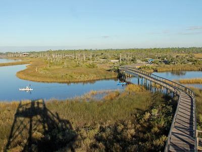 """Photo for Wow! Just $75/nt in April ~ """"Cozy Cottage"""" Near NAS P'cola + Perdido Key"""