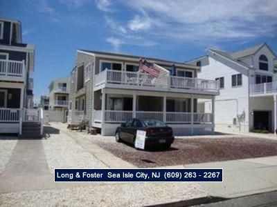 Photo for There is a large front deck off the living room with ocean views.