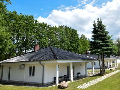 Photo for Fantastic holiday home near the lake. Living room with 2 bedrooms, own jacuzzi.