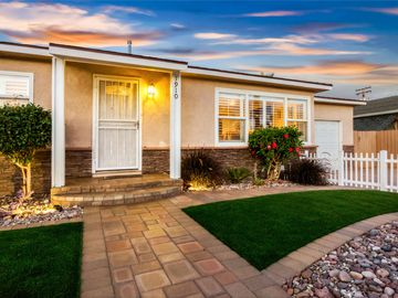 Search 300 holiday rentals