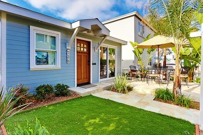 Detached two-story home in S.Mission Beach