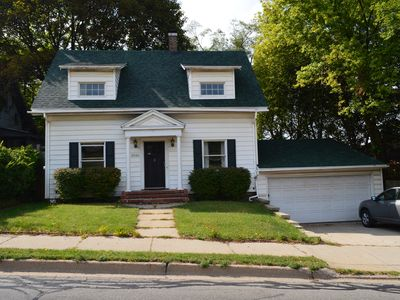 Everyman s House - Close to downtown, Western Michigan University and K College