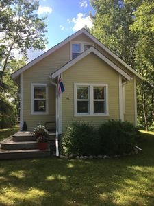 Photo for 2BR Cottage Vacation Rental in Gimli, MB