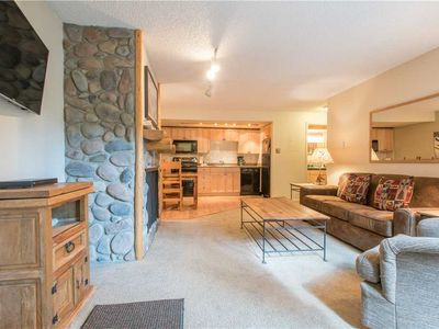 Photo for Cozy Ski-in/Walk-out condo, outdoor hot tub, free wifi, parking, great value!