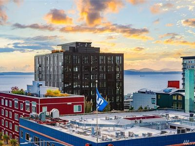Photo for Perfectly located condo in the heart of Seattle near the waterfront