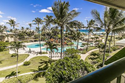 View from Lanai of pools and ocean.