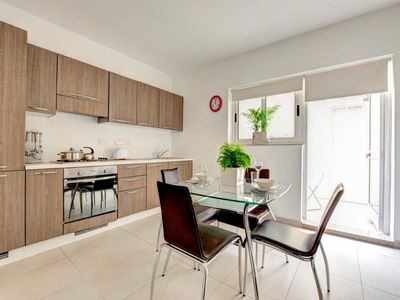 Photo for Tinge Sliema 1-bedroom Apartment