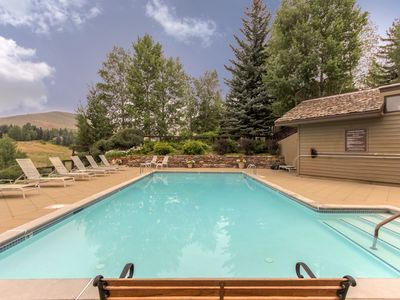 Photo for NEW LISTING! Comfy condo w/shared pool & hot tub-near slopes, dining & town