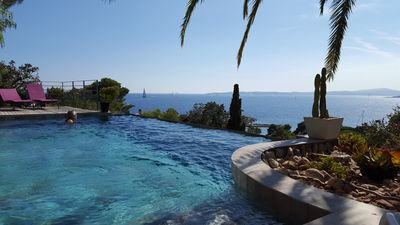Photo for Magnificent panoramic sea view on Gulf of St Tropez- apartment in villa 2/6 pers