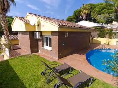 Photo for Club Villamar - Very beautiful villa with private pool, located close to the charming beach of Canyelles