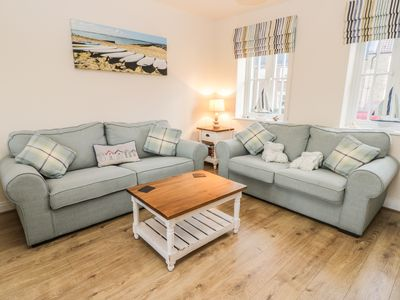 Photo for Dotty's Sunshine Cottage, FILEY