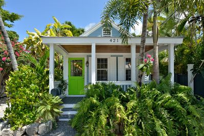 Beautiful home right off Duval in the gallery district!