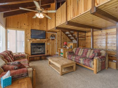 Photo for Condo Chalet 1A, Fireplace, View of Mountain, Small Private Deck