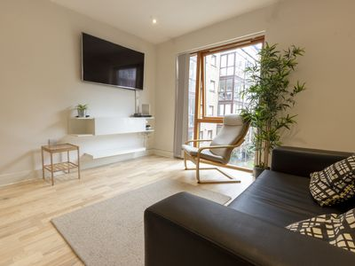 Photo for Modern charming 1 BR apartment near City Centre