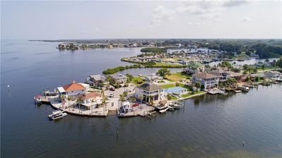Photo for Paradise living, Direct Gulf front Island home