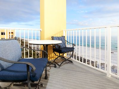 Photo for Corner Unit, Top Floor, Direct Beach View, Beautifully Decorated, 3br/3ba, Beach Svc -gd601