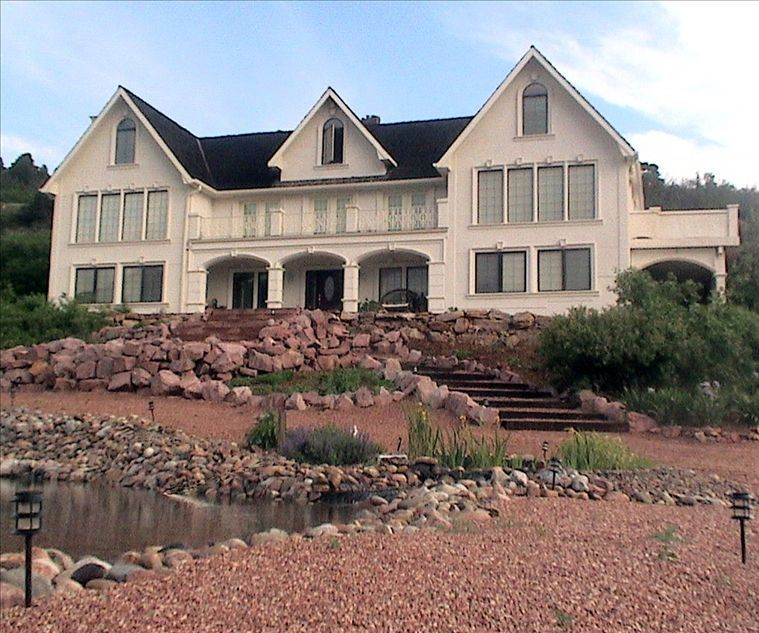 Colorado Springs Apartment Finder: Manitou Villa -Spectacular Mtn & City Views...