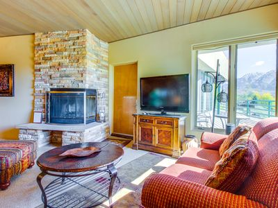 Photo for Contemporary alpine condo w/easy slope access & shared pool, hot tub, & sauna!