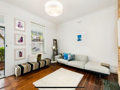 Photo for Luxury Heritage Terrace in Balmain, close to ferry and moments to village.