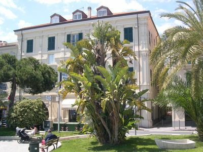 Photo for Nice apartment centrally located, opposite the seafront promenade.
