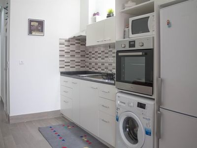 Photo for Apartment in Porto with Internet, Air conditioning, Washing machine (500053)