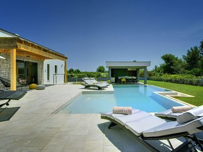 Photo for This 3-bedroom villa for up to 6 guests is located in Medulin and has a private swimming pool, air-c