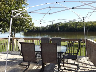 Have dinner/drinks & view the river from the deck with a fire pit and dock below