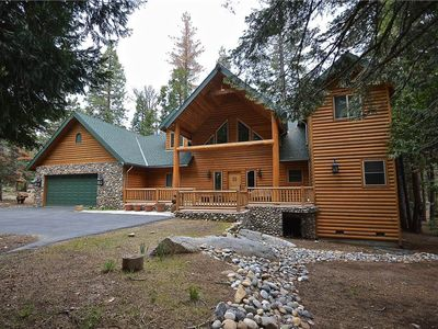Photo for Beautiful family-friendly cabin with great location near Shaver Lake