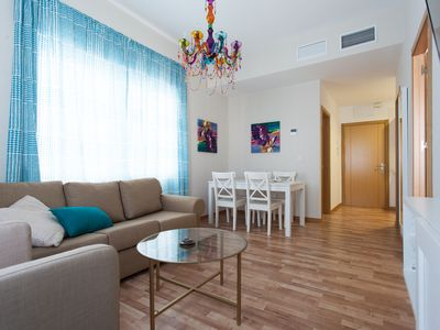 Photo for Laraña 5.1 apartment in Casco Antiguo with WiFi, air conditioning & lift.