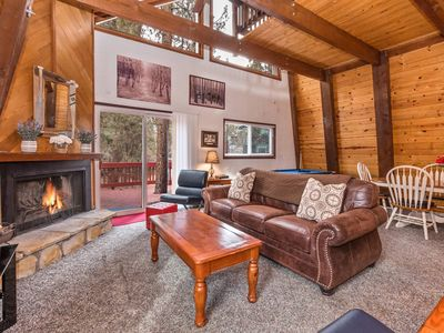 Photo for Skyfox Cabin: Centrally Located in Fox Farm! Fenced Yard! Peek-a-Boo Ski Slope Views! Pool Table!