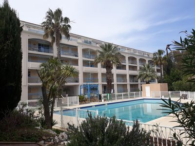 Photo for T2 nine pool pkg clim ideally located 300 m from the beach