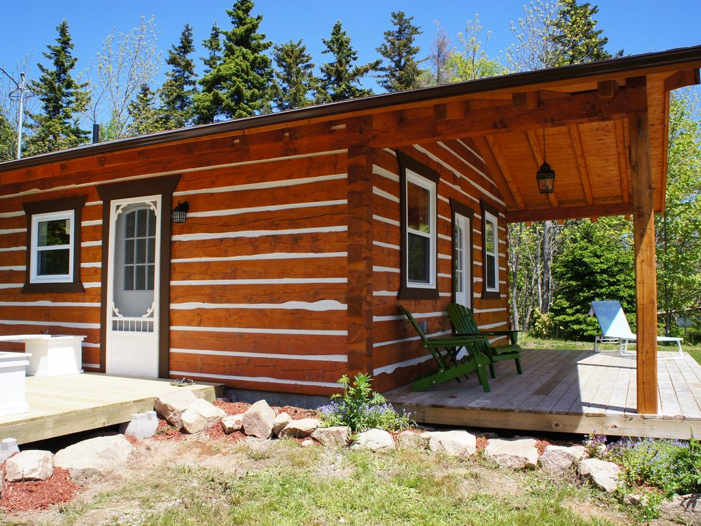 Modern log cabin on the bras d 39 or lakes homeaway cape for Modern log house