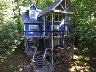 Photo for Private, large mountain home, sleeps 20. Hot tub, pool table, fireplace.