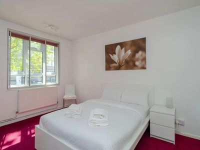 Photo for Modern 1BR Apartment in Bermondsey - One Bedroom Apartment, Sleeps 2